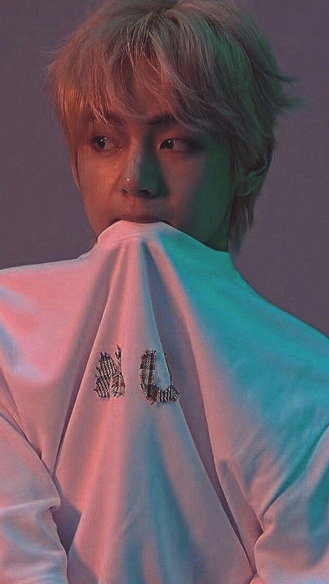 Bts Kim Taehyung V Wallpaper Bts Walpaper Bts Taehyung Kim Taehyung Wallpaper