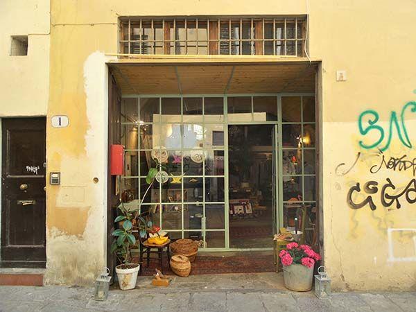 Als je naar Florence gaat dan moet je zeker even naar het rariteitenkabinet van fashion designer Michele Chiocciolini gaan.
