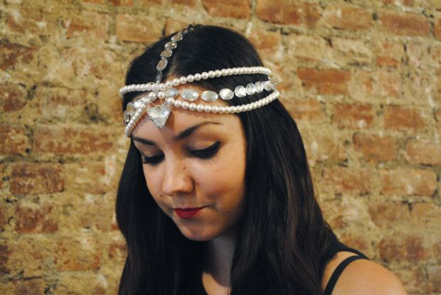 Learn how to make a beautiful bohemian DIY Pearl Headpiece with this free jewelry tutorial.