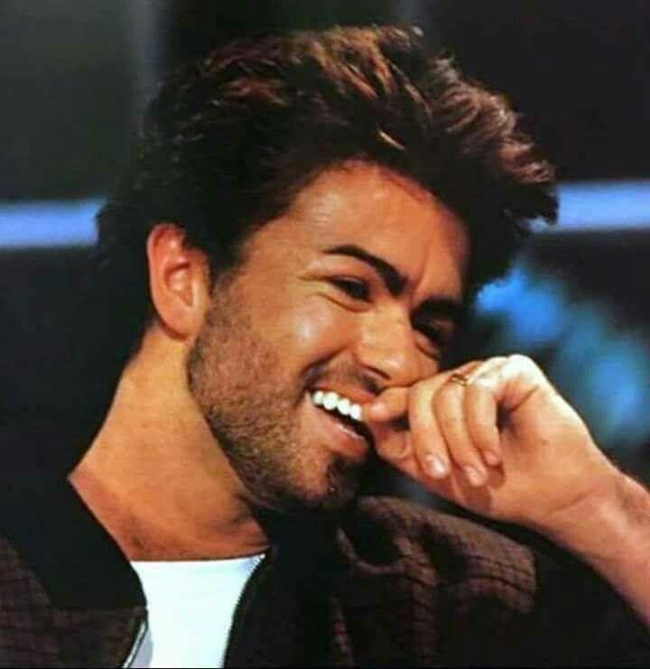 Esa hermosa sonrisa que únicamente poseía George Michael y que siempre voy a extrañar