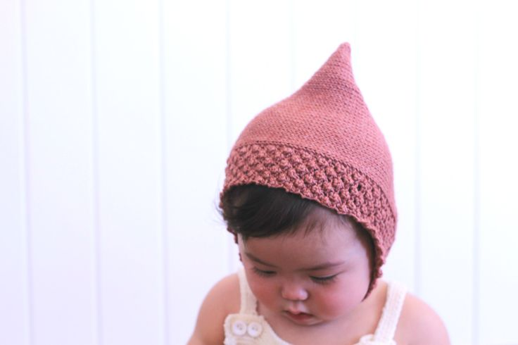 The Alva pixie bonnet by Dreamiknit on Etsy // baby pixe hat