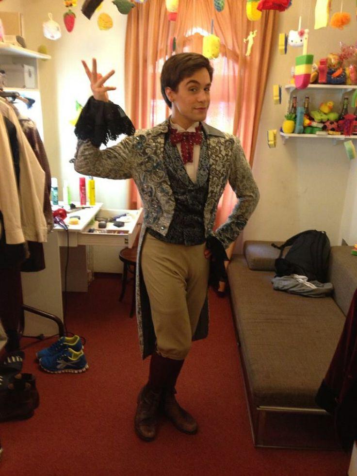 Michael Heller back stage at Tanz der vampire
