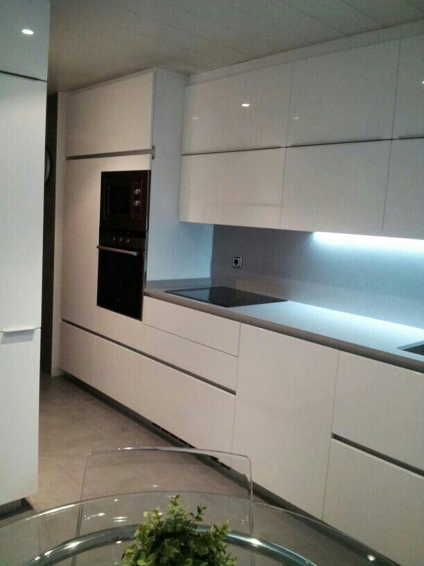 Tiendas de cocinas en tenerife cheap estudio de cocinas for Cocinas xey en tenerife
