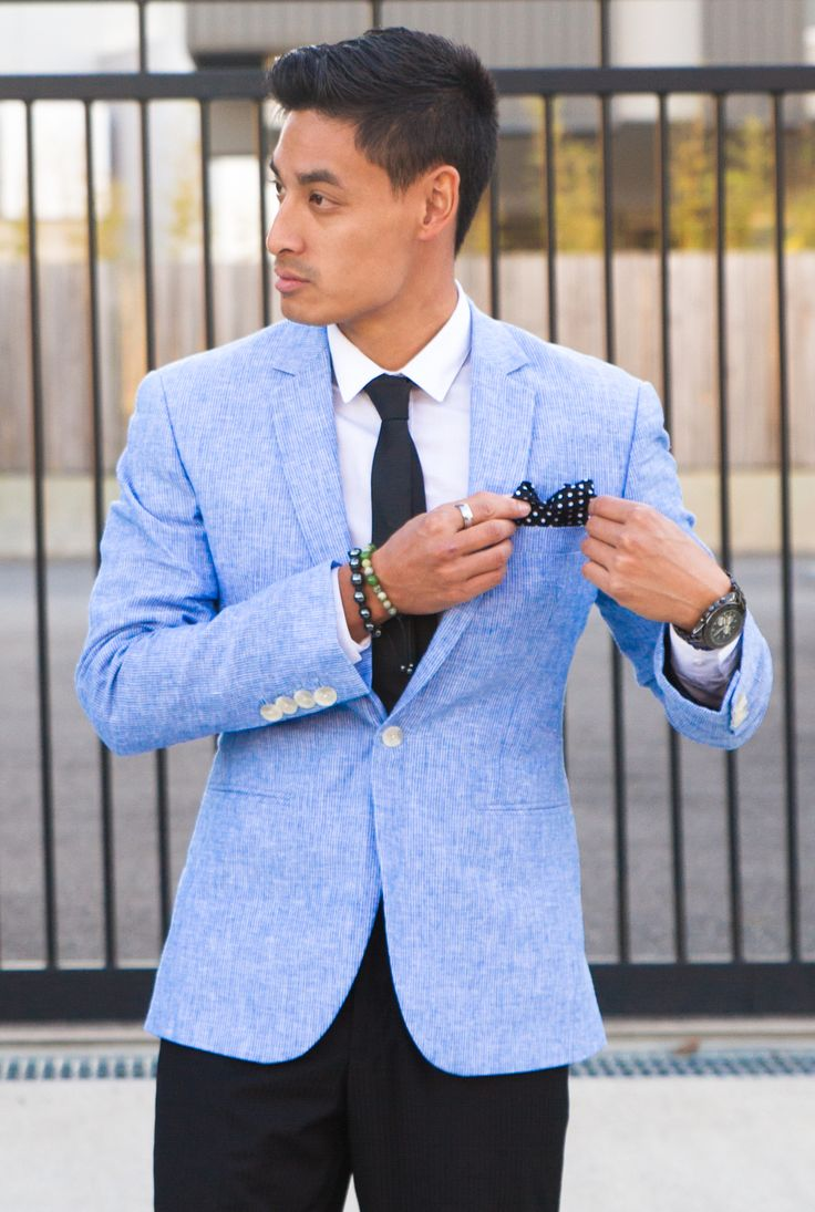 http://thesimplegentleman.com/light-blue-blazer/