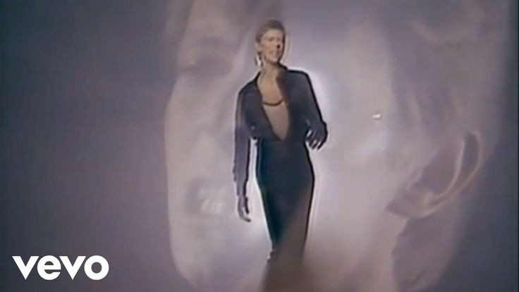 Music video by David Bowie performing ''Heroes''. Taken from the album 'Heroes'…
