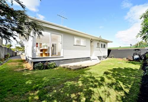 Mangere East, Summertime and the living is easy, Property ID: 561384