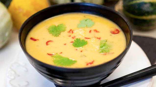 Pumpasoppa är förförande gott! Laga en värmande, smakrik soppa med pumpa och dina gäster kommer att bli snurriga av glädje.