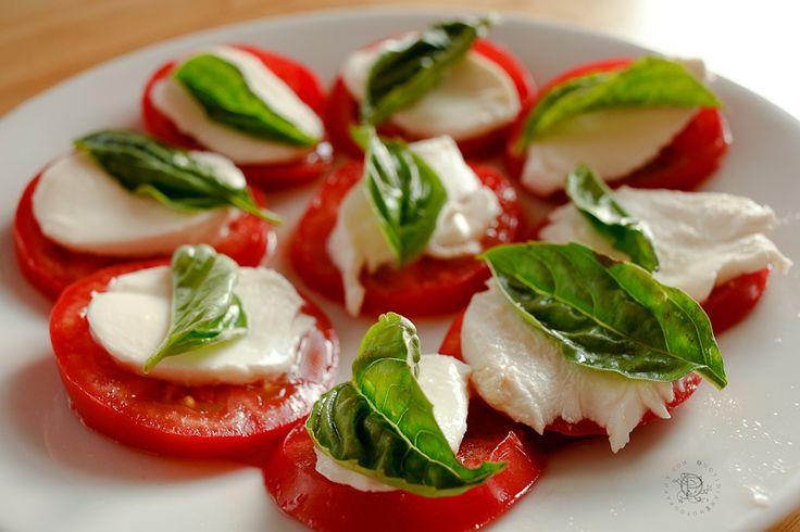 Insalata caprese #dieta mediterranea Esto parece fácil de hacer. Es sólo a los tomates, el queso y el aceite. Y su salud.