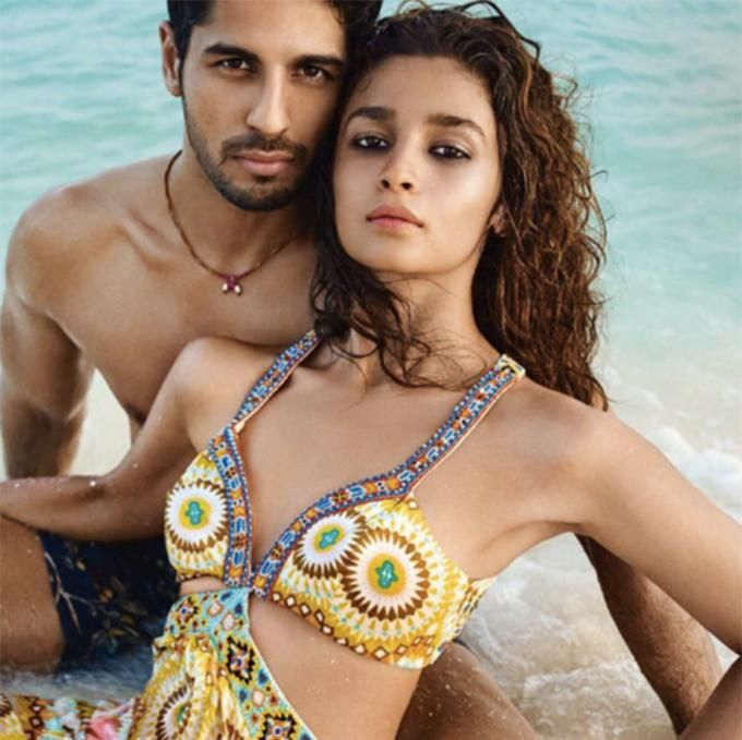 Alia Bhatt confesses her breakup with Sidharth Malhotra. Get the latest bollywood news on ZoomTV - http://www.zoomtv.com/Bollywood-News/gossip-2/article/alia-bhatt-confesses-her-breakup-with-sidharth-malhotra/12836
