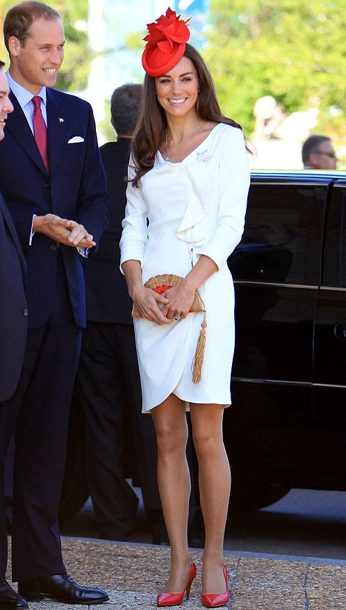 Kate Middleton is perfection. I'm OBSESSED with the maple leaves that decorate her hat. OB-SESSED.