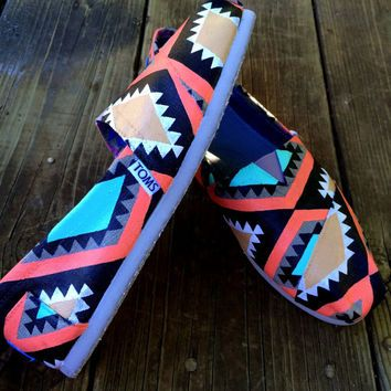 Tribal Psychedelic Aztec Hand-Painted Toms shoes!