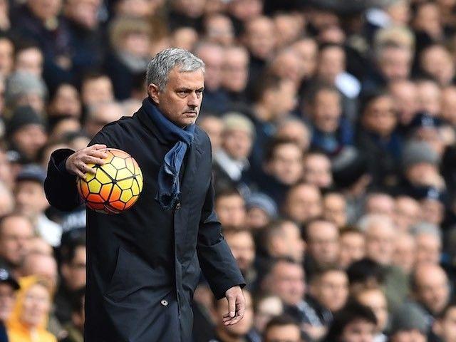 Report: Jose Mourinho not in talks with PSG, still favourite for Man United job #ManchesterUnited #ParisSaintGermain #Football