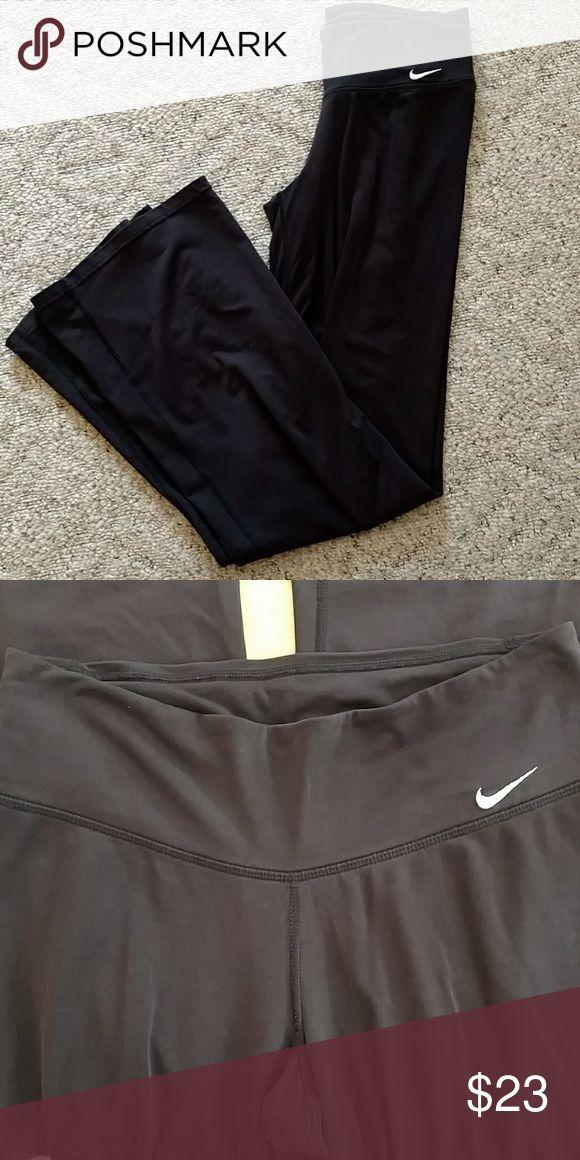 XS ♥️NIKE♥️ yoga pants- black XS yoga pants- bootleg, black stretch Nike Pants Leggings #yogapants