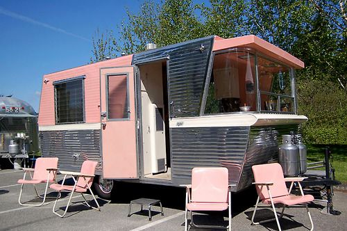 c 39 est vendredi c 39 est le bordel 163 winibago pinterest caravane relooking caravane et. Black Bedroom Furniture Sets. Home Design Ideas