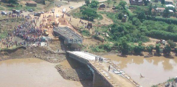 Belum Selesai Dibangun, Jembatan Senilai Rp160 Miliar Buatan Tiongkok Sudah Ambruk