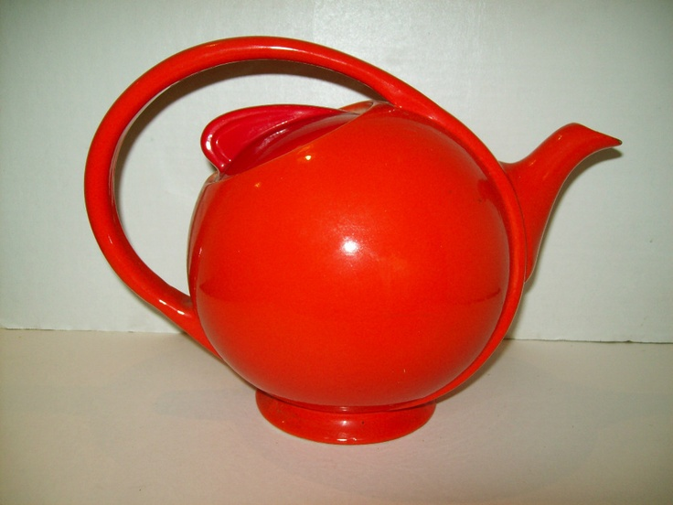 1940'S VINTAGE HALL AIRFLOW ORANGE TEAPOT, ART DECO, RARE