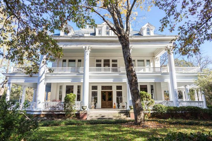 1903 Neoclassical For Sale in Monroe, North Carolina