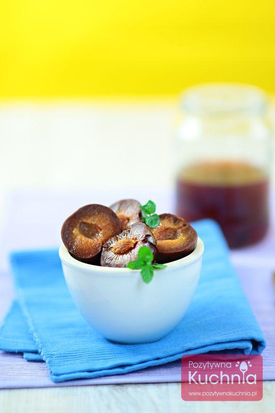 #sliwki w occie czyli smaczny, zimowy, lekko wytrawny #deser  http://pozytywnakuchnia.pl/sliwki-w-occie/  #przepis #kuchnia #przetwory