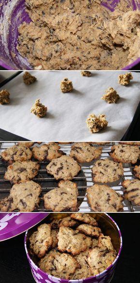 Så er det endelig ved at være småkagetid, og disse amerikanskinspirerede cookies er fantastiske med det knasende indhold af nødder og chokoladestykker.