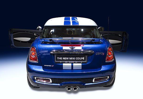 the new mini coupe blue colour