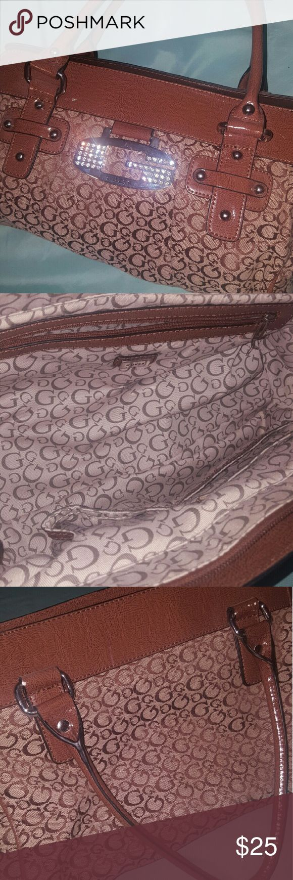 """Guess purse This Guess purse has been used gently. The inside is very clean and the outside is in excellent condition. Do notice that the """"G"""" plaque has a few scratches... the back of the plaque still has the clear plastic it comes with... Guess Bags Satchels"""