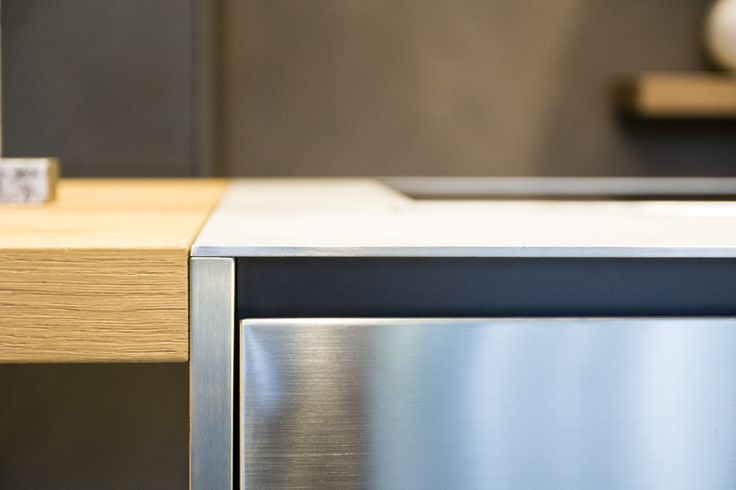 A detail of the new Maxima 2.2, exposed in the renovated shop window of our partner Cesar Store Genova - Progetti Arredamenti #design #kitchen #interiors #interiordesign