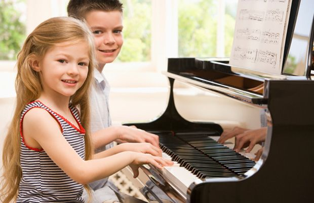 How to Give Piano Lessons to Young Kids