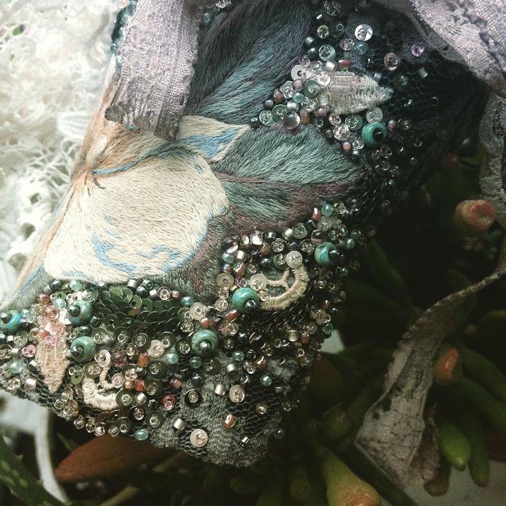 Очень скоро :) возможно уже даже завтра! Второй тропический, но более холодного зеленого оттенка. #вышивка #рукоделие #работавпроцессе #творчество #вдохновение #дизайн #стиль #бохо #винтаж #браслет #мода #аксессуары #style #design #inspiration #creativity #handmade #bracelet #accessories #embroidery #handembroidery #handembroidered #stitch #stitching #green #color #bohemian #boho #vintage