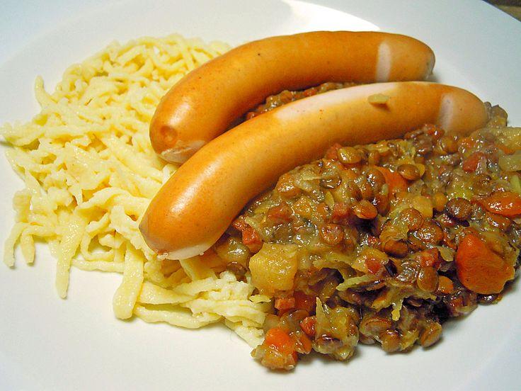 Schwäbische Linsen mit Spätzle und Saitenwürstchen, ein schmackhaftes Rezept aus der Kategorie Hülsenfrüchte. Bewertungen: 59. Durchschnitt: Ø 4,6.