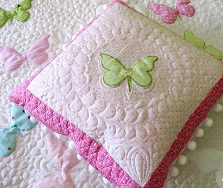 Toddler Girl Quilt - Homemade Quilt - Butterfly Quilt Patchwork Quilt - Twin Size Quilt - Quilted Bedspread - Modern Quilt - Quilted Bedding Free shipping. Order here: https://www.etsy.com/listing/482361461/toddler-girl-quilt-homemade-quilt?ref=listing-shop-header-1