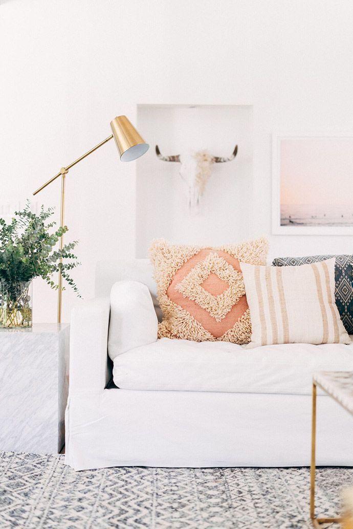 white couch @dcbarroso