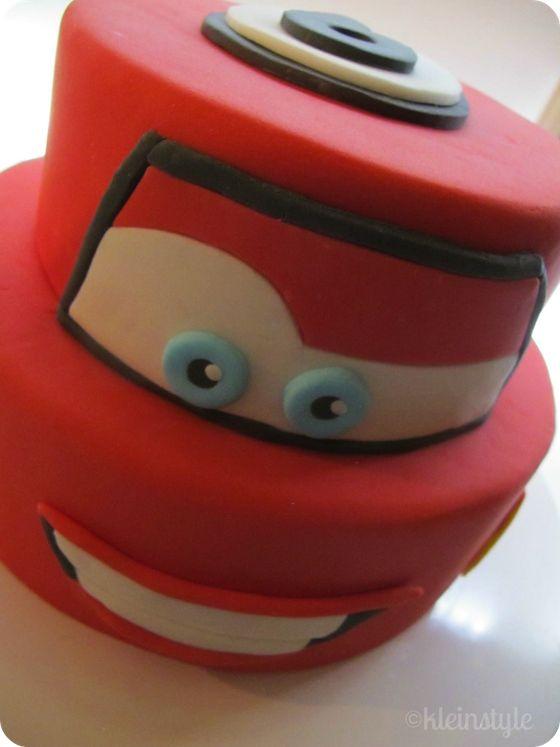 Lightning McQueen cake for kids birthday #cars Lightning McQueen #cake via kleinstyle.com