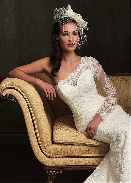 Elegant Lace & Satin One-shoulder Neckline Trumpet Wedding Dress