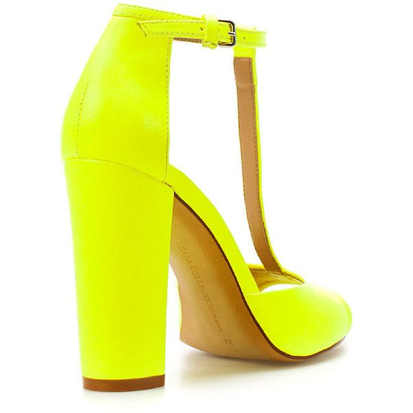 Zara High Heel Sandal (140 BRL) ❤ liked on Polyvore featuring shoes, sandals, heels, neon, yellow, neon yellow shoes, yellow sandals, fluorescent yellow shoes, heeled sandals and neon sandals