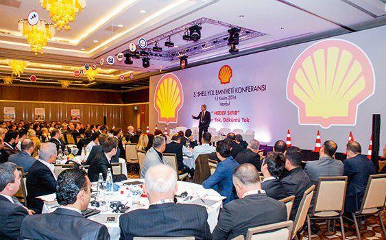 Shell Global Yol Emniyeti Genel Müdürü Linda Philips'e göre Türkiye'de bayram ve 29 Ekim gibi resmi ve dini tatillerde artan kazaların en önemli sebebi sürücü davranışı.