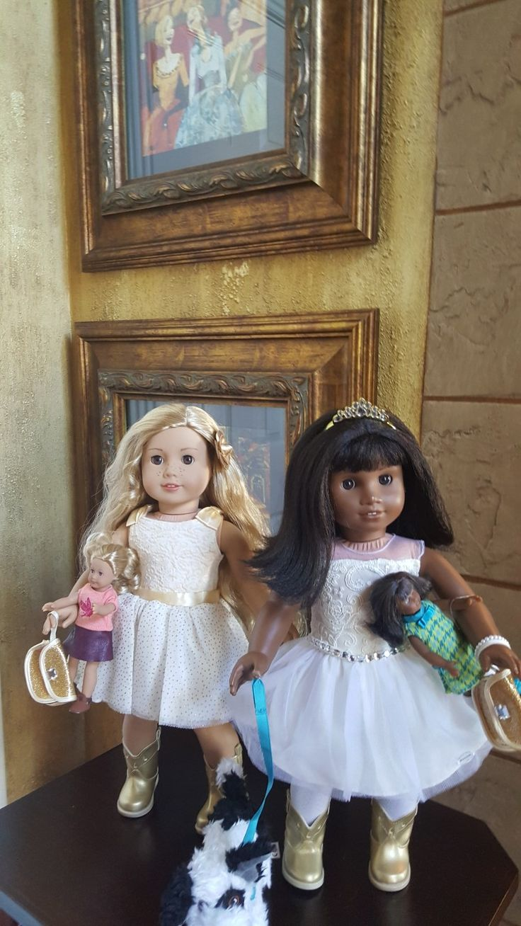 Happy Thanksgiving from our American Girl Brand Doll Company Girls Tenny and Melody. They are at Our Katy Womack Home Art Gallery @agoffical #americangirlbrand #joy2everygirl