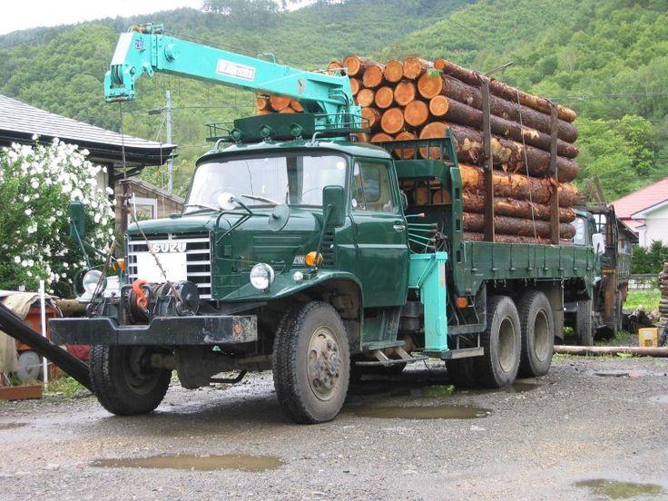 Isuzu Old Truck pictures