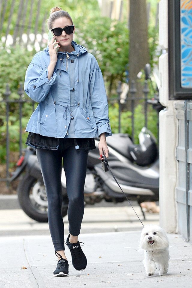 Olivia's ensemble is ideal for the colder winter months—pair your favorite leggings with black athletic sneaker and add an of-the-moment-feeling parka. On Olivia Palermo: APL sneakers; Alo...