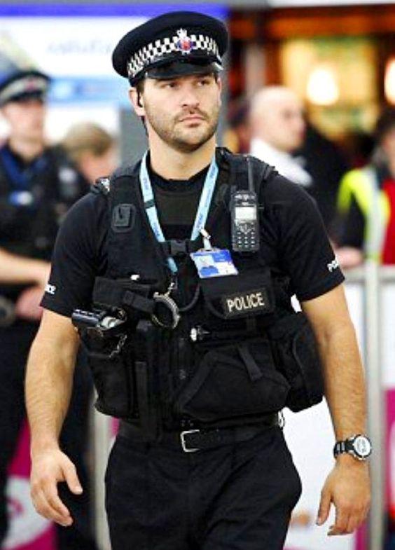 gay sexy policía