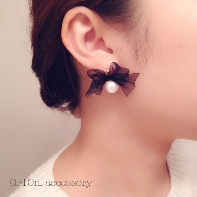 pearl ribbon pierce. by 0r10n. アクセサリー ピアス