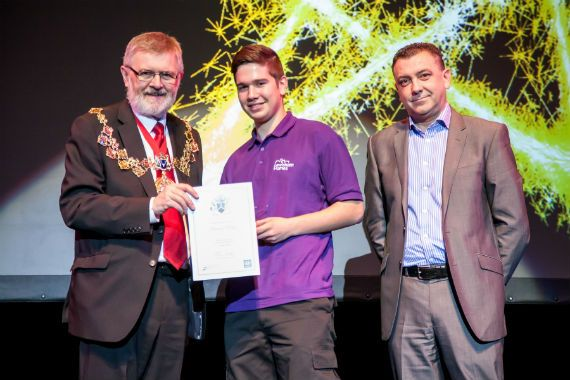 Electrical apprentice wins award