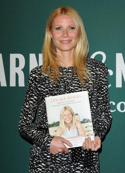 Gwyneth Paltrow Photos - Gwyneth Paltrow Book Signing - Zimbio