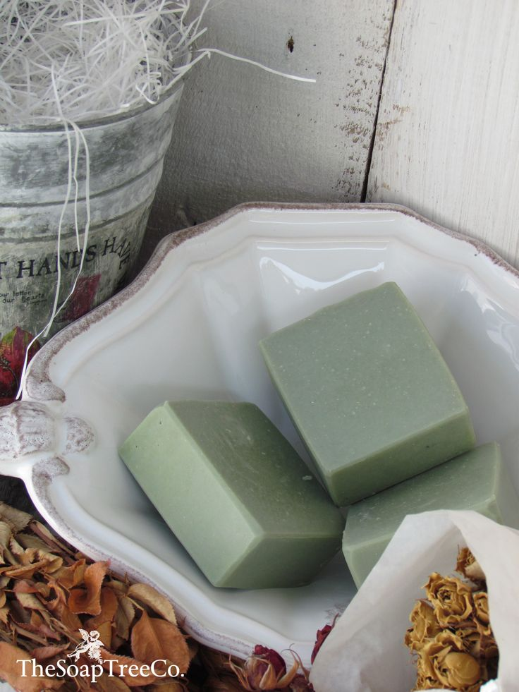 Lovely shade of grey-green; would be nice on soap scented with rosemary and tea tree essential oil