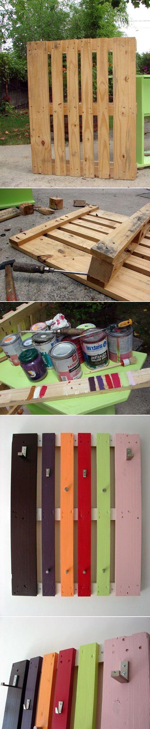 Kolorowy wieszak na ubrania z palet/ DIY Coat Rack From A Wood Pallet