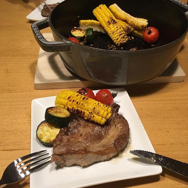 糖質オフを徹底してる人はとうもろこし注意‼️ #ラルポーク という #ドライエイジング の豚肉と夏野菜のポットロースト  今日もお腹いっぱい食べて痩せる。  #instafood  #おうちごはん #ダイエット #ケトジェニック #ロカボ #mec  #肉 #熟成肉 #豚 #pook #豚肉 #どっとレシピ #管理栄養士 #糖質オフアドバイザー #嫁メシ #嫁メシでダイエット