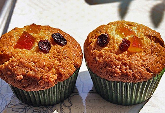 Aszalt gyümölcsös-kókuszos muffin