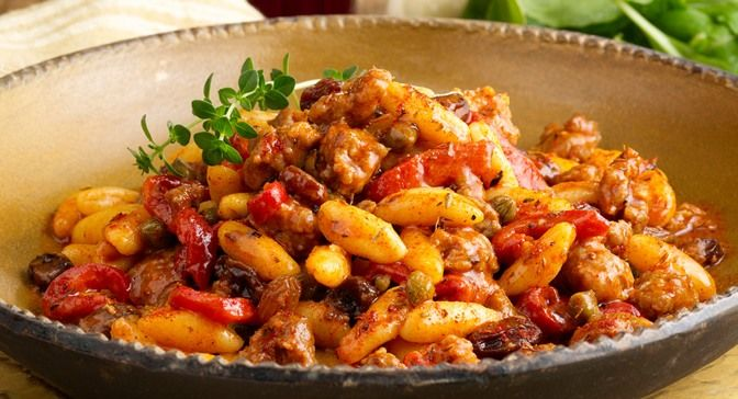 Cavatelli Pasta with Sweet Sausage, Roasted Peppers and Raisins | Rec ...