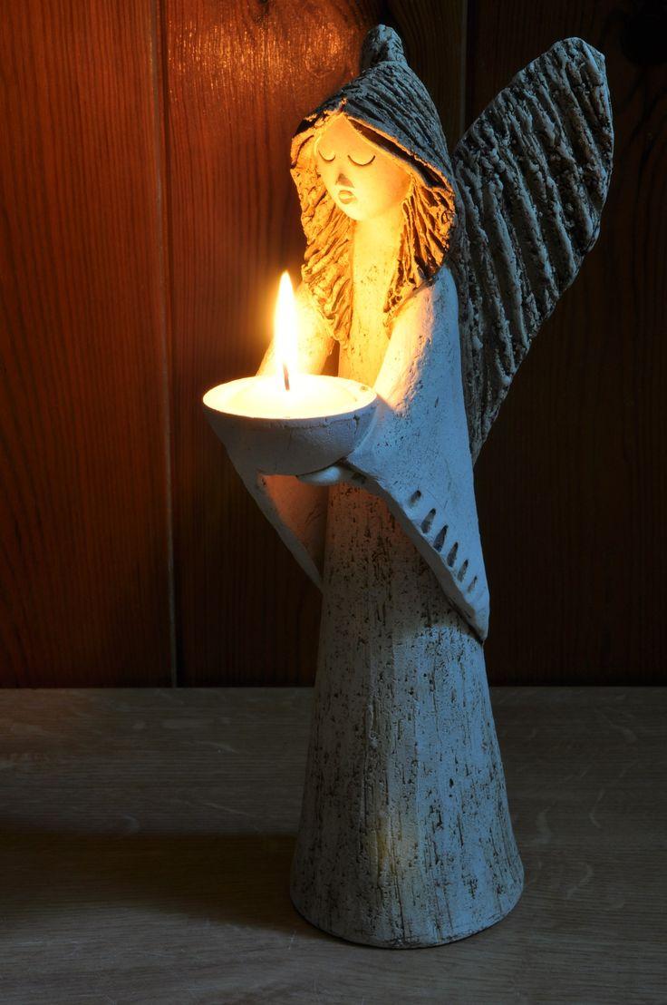 anděl+opatrovník+Svícen+vysoký+30+cm,+šamotová+hlína.