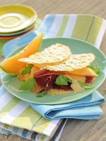 Cialdine di grana con il melone e la bresaola