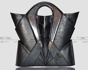 Sac à main de luxe sac de créateur, sac en cuir unique, futuriste, sac a main, sac géométrique mode de l'architecture, avant garde vêtements